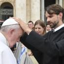 """Ferenc pápa üzenete a betegek 29. világnapjára – """"Egy a ti mesteretek, ti pedig mindnyájan testvérek vagytok."""" (Mt 23,8)"""