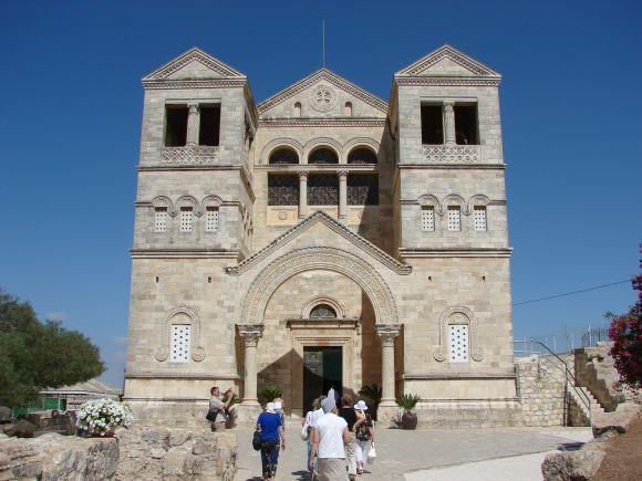 A-Tabor-hegyi-Szinevaltozas-bazilika