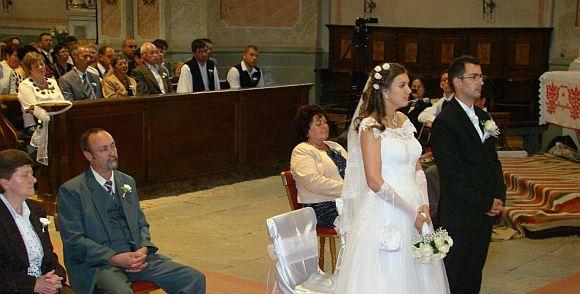 A házasságban úgy a férfi, minta a nő, legszebb emberi tulajdonságait felajánlja hitvestársa és gyermekei szolgálatára