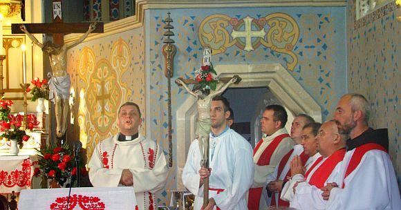 Indul a búcsús kereszt - Kolozsvár Szentpéteri templom.