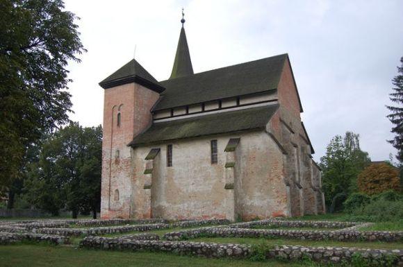Keresztyelo-Szent-Janos-tiszteletere-epult-templom