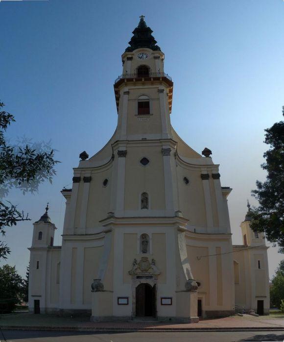 Kiskunszdentmarton-katolikus-templom