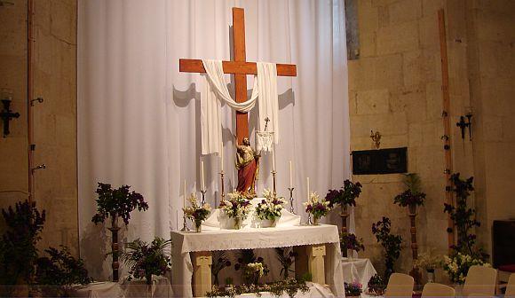 Krisztus feltámadott! - Feltámadási oltár a gyulafehérvári székesegyházban.