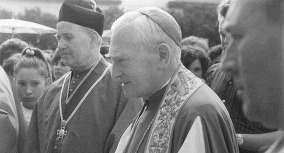 Márton Áron és Jakab Antal püspökök