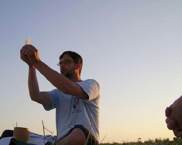 Úrfelmutatás - 2008. augusztus 7-én naplementekor, a Duna-deltában, a Fekete-tenger partján.